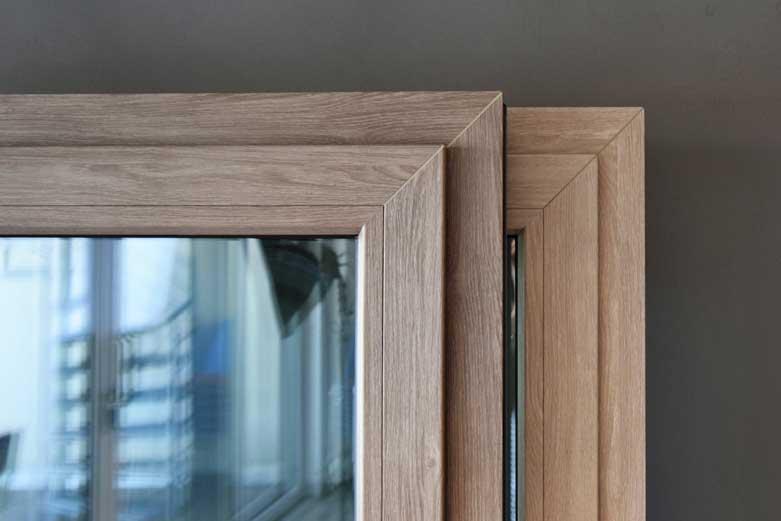 LÖWE Fenster Hybrid-SV - Dekore Spessarteiche und Odenwaldeiche
